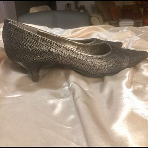 A. Marinelli Women's Pewter Pumps
